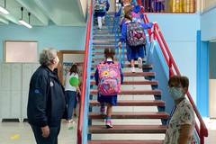 Puglia, scuola elementare e media in presenza, chi vuole può scegliere la DDI