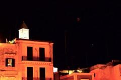 Anche il cielo di Bari si tinge di rosso nella notte dell'eclissi di luna
