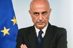 Segreteria PD, Decaro punta su Minniti: «Pezzo importante della sinistra in Italia»