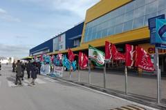 Sciopero della grande distribuzione, due presidi a Bari
