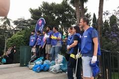 Parco 2 giugno, i volontari di Retake puliscono il laghetto