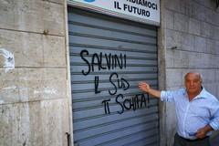 «Infami Razzisti», scritte intimidatorie contro Cipriani