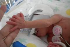 Giada, Livia e Matteo: tre piccoli cuori nel palmo di una mano