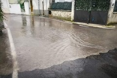 Carbonara, lago in strada Vela, profetico il nome