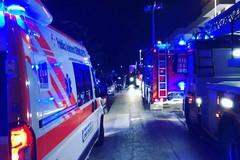 Bari, incendio in una palazzina di tre piani a Santo Spirito. Evacuati gli abitanti