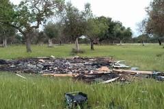 Bari, continuano a bruciare i rifiuti nelle campagne