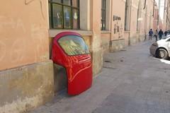 Bari, tra le strade del Libertà un oggetto misterioso