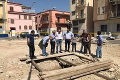 Bari, lavori in piazza Diaz a Ceglie, dal terreno emergono due statue antiche