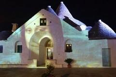 Leonardo da Vinci illumina i trulli di Alberobello con Summer Lights