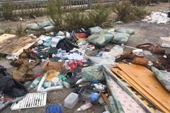 Bari, campagne come discariche: il book fotografico di Retake