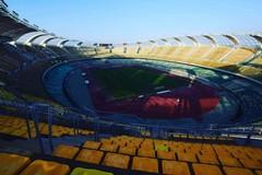 Stadio San Nicola, via i teloni anche dalla tribuna ovest. La decisione di SSC Bari e Comune