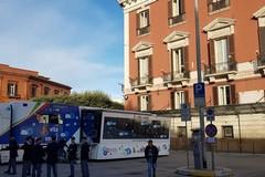 """""""Vita da social"""", tappa a Bari per il truck della polizia postale"""