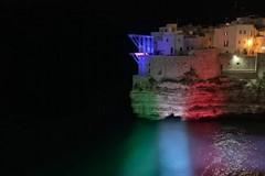L'emergenza Coronavirus fa annullare il Red Bull Cliff Diving a Polignano
