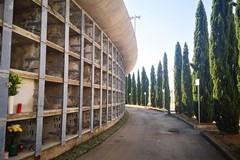 Cimitero di Palese, loculi pieni d'acqua. Al via i lavori