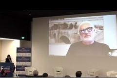 Flavio Briatore da Bari: «Il Covid è un'influenza, fateci lavorare»