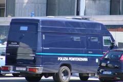 Palagiustizia, una navetta della polizia penitenziaria porterà i dipendenti a Modugno