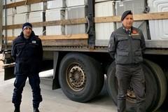 Porto di Bari, sequestrate 18 tonnellate di rifiuti elettronici
