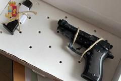 San Pio, trovata una pistola nascosta nella canna fumaria. Scatta il sequestro
