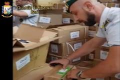 Napoli, sequestro prodotti contraffatti destinati a Bari