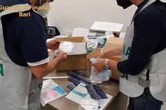 Bari, Gdf sequestra 670 mascherine FFP2 non conformi con falso marchio CE