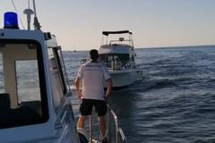 La Guardia Costiera pattuglia le coste di Bari, 9 persone salvate tra cui due bambini