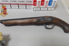San Paolo, nel garage aveva sigarette di contrabbando e armi. Preso 65enne