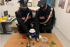 Traffico di stupefacenti, arrestato 48enne a Bari con 220 grammi di hashish e marijuana