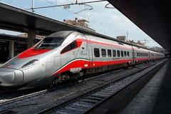 Corto circuito a bordo del Frecciargento partito da Bari per Roma, evacuata la carrozza
