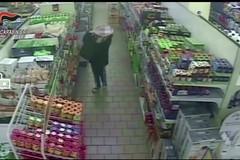 Furti nei supermercati di Ruvo, Molfetta e Barletta, arrestati tre baresi