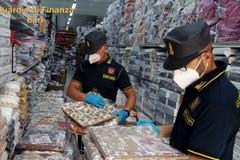 """Bari, prodotti contraffatti con falsa etichetta """"Made in Italy"""": maxi sequestro della Guardia di Finanza"""