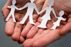 Bari, i fondi del cinque per mille in sostegno della genitorialità