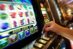 Gioco d'azzardo, colpite le fasce più deboli della popolazione
