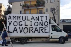Bari, 300 ambulanti in protesta da via Portoghese a piazzale Lorusso