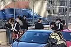Fase 2 e assembramenti, a Bari volantini per sensibilizzare i cittadini