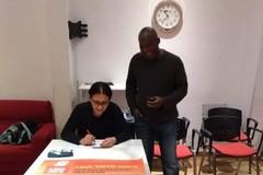 A Bari il voto simbolico degli stranieri, vince Antonio Decaro