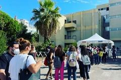 No al numero chiuso, sit-in degli studenti a Bari nel giorno del test a Medicina
