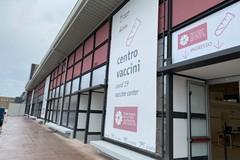 Puglia, Emiliano affida a Lerario l'organizzazione e la logistica della campagna vaccinale