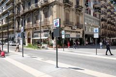 Ruba scarpe da H&M a Bari, arrestato dopo un inseguimento
