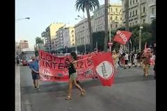 """G20, in 200 in piazza a Bari: """"Contro l'imperialismo e per l'autodeterminazione dei popoli"""""""
