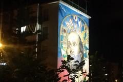 Quartiere San Paolo di Bari, si illumina il murales dedicato a San Nicola