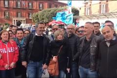 Lavoratori edili in piazza a Bari: «Noi non ci fermiamo»