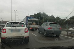 Bari, incidente ai curvoni di Palese. Code per un chilometro