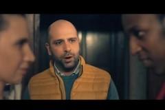 """Checco Zalone lancia il film """"Tolo Tolo"""", il trailer è la canzone """"Immigrato"""""""