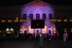 Un anno dalla chiusura dei teatri, a Bari si illuminano il Piccinni e il Kismet