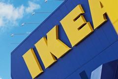 Falso allarme bomba all'Ikea di Bari, botta e risposta Filcams Cgil ipermercato: «Più importante vendere della vita umana?»