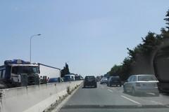 Incidente sulla 16 bis direzione Sud traffico rallentato nei pressi dell' Aeroporto