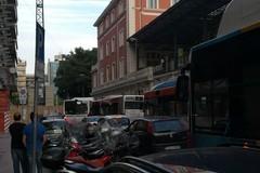 Bus fermo in corso Italia, traffico in tilt