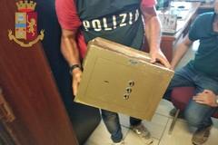 Bari, blitz della Squadra Mobile in via Bavaro. Trovata una cassaforte e refurtiva per 100.000 Euro
