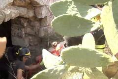 Bari, cade misteriosamente in un pozzo, salvato 70enne dai vigili del fuoco