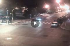 Bari, incidente in via Brigata. Lo schianto in un video